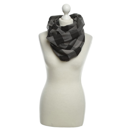 Burberry Scarf in grey
