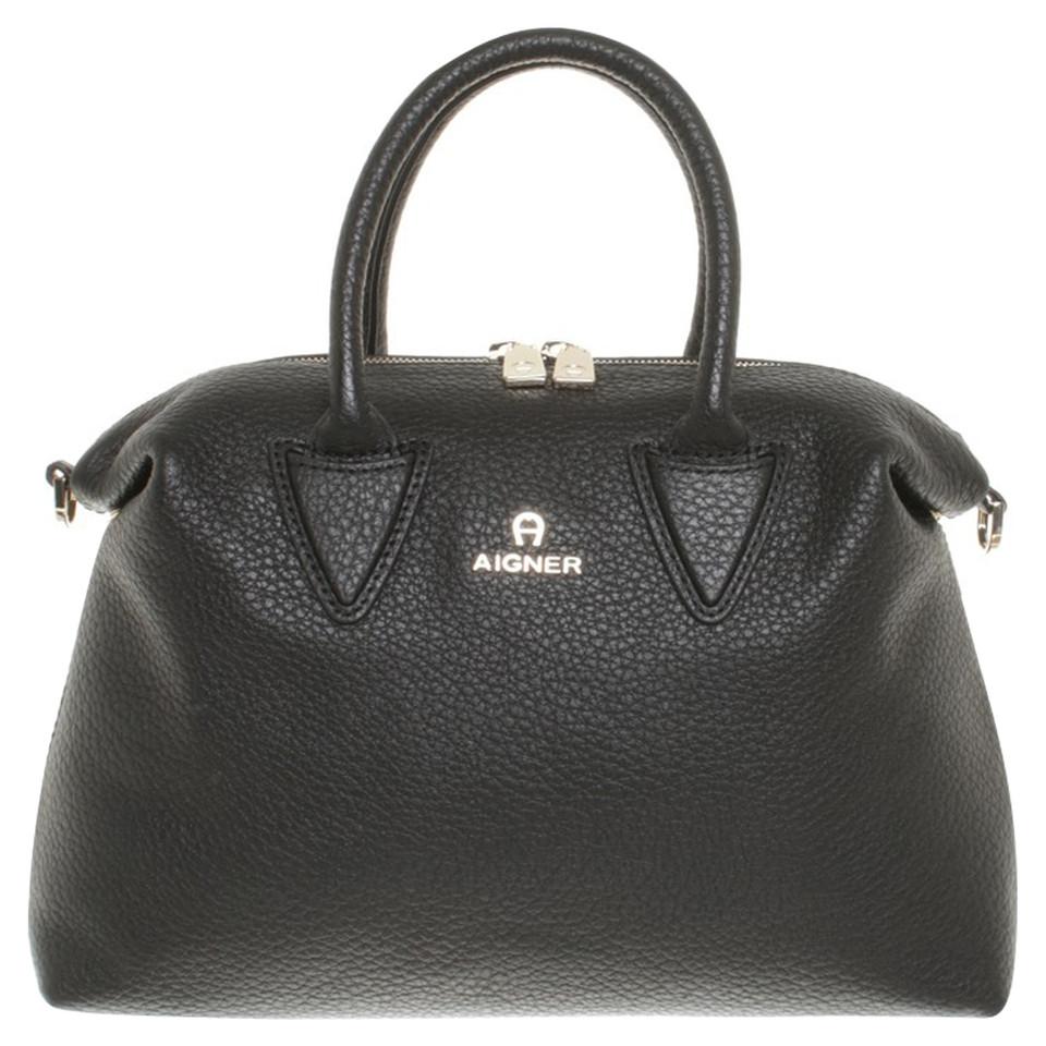 aigner handtasche in schwarz second hand aigner handtasche in schwarz gebraucht kaufen f r 249. Black Bedroom Furniture Sets. Home Design Ideas