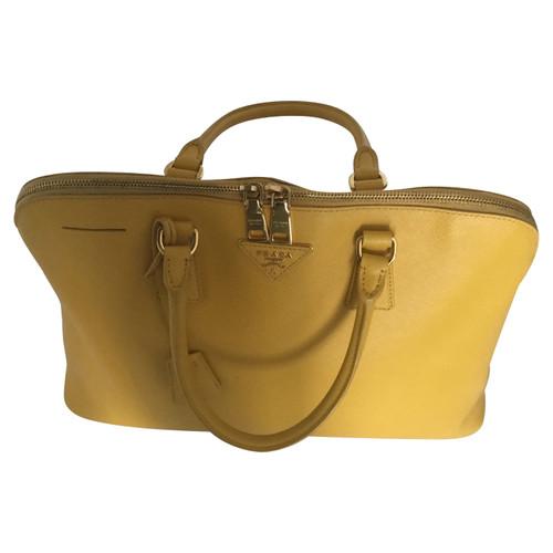 517fa3b587c5 Prada Tote bag Leather in Yellow - Second Hand Prada Tote bag ...