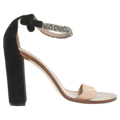 Chloé Sandals in beige / black