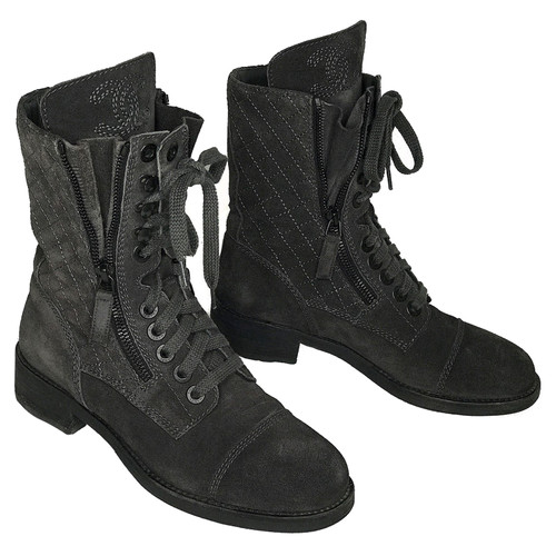 be3f6ee5684aaa Chanel Ankle boots Suede in Grey - Second Hand Chanel Ankle boots ...
