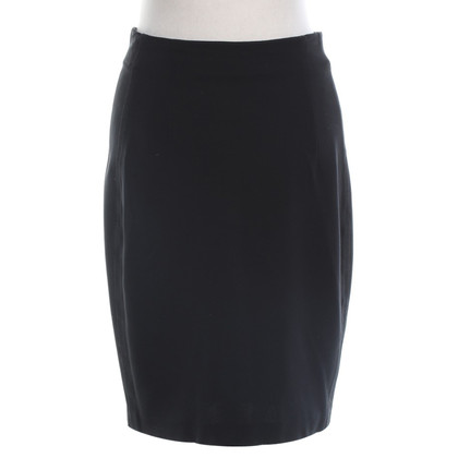Theory skirt in black