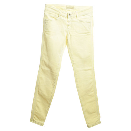 Closed giallo Jeans