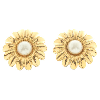 Chanel Earrings in flower look