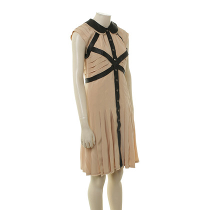 Chanel Nudefarbenes Kleid mit Lederdetails