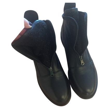 Navyboot boots