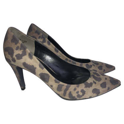 Kennel & Schmenger Suede pumps with leopard print
