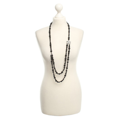 Chanel Necklace in black