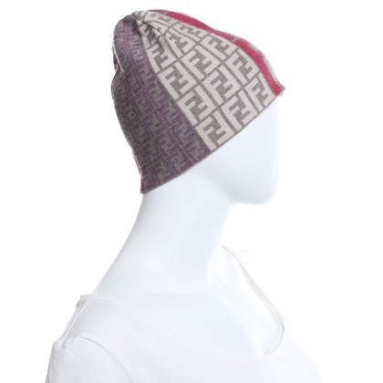 Fendi Knitted hat with logo pattern