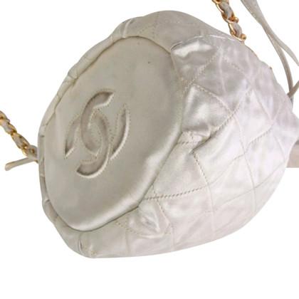 Chanel Beuteltasche mit Tragekette