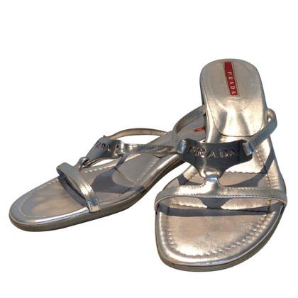 Prada Silberfarbene Sandalette