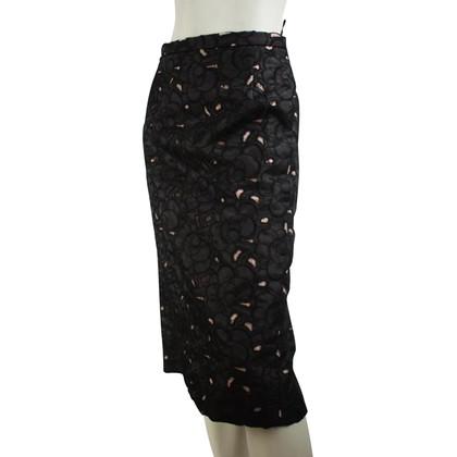 N°21 Geborduurde rok met zijden buis