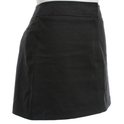 Burberry A short skirt in black