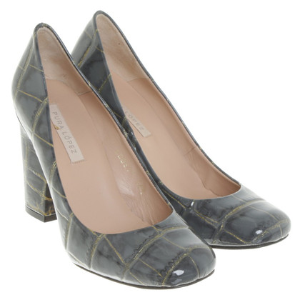 Pura Lopez pumps with reptile embossing