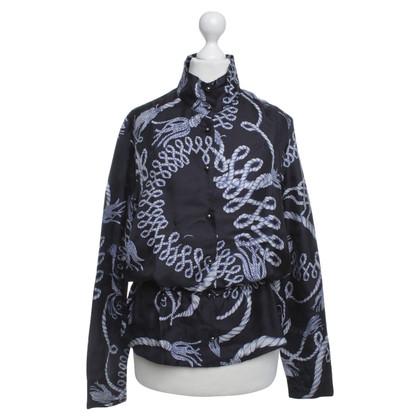McQ Alexander McQueen Blauwe zijde blouse met grafisch geïllustreerd