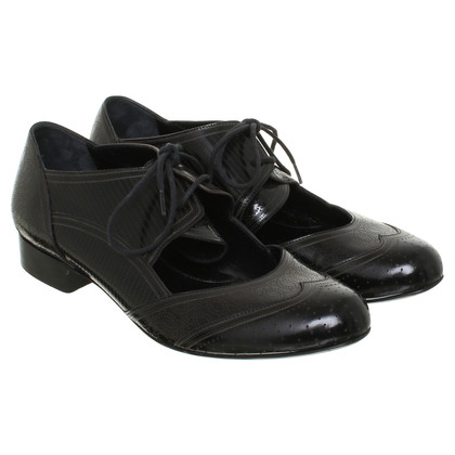 Fendi Lace-up shoes in black