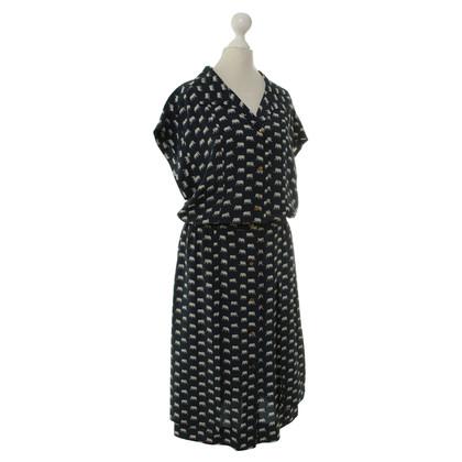 Chanel Kleid mit Elefanten-Muster