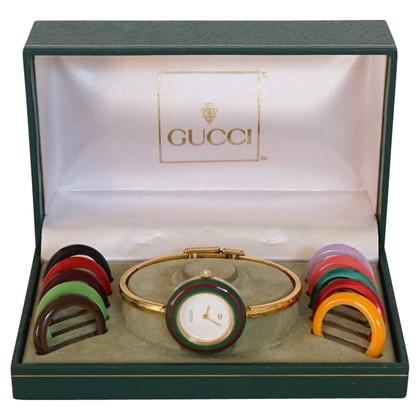 Gucci Uhr mit austauschbaren Einfassungen
