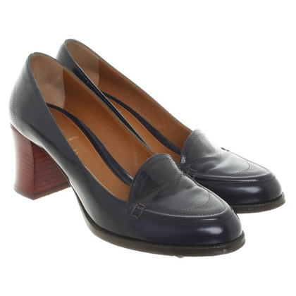 Fendi pumps in dark blue
