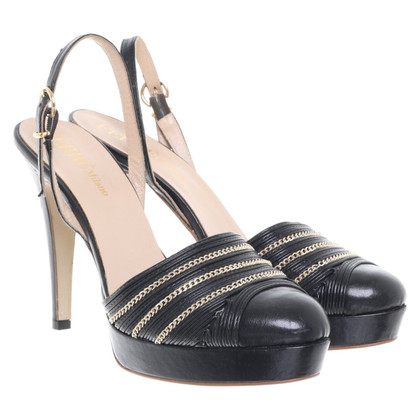 Ferre pumps in black