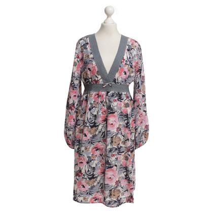 Manoush zijden jurk met een bloemmotief