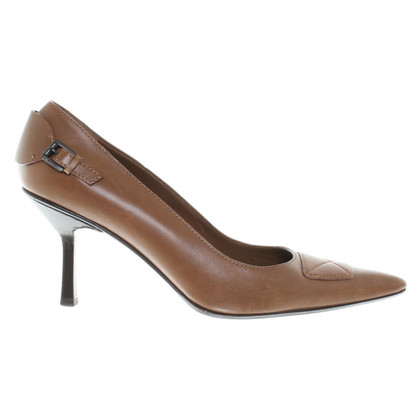 Gucci pumps in brown