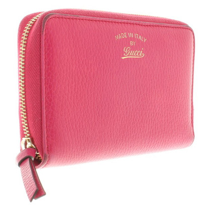 Gucci Wallet in Fuchsia