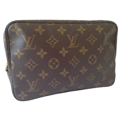 Louis Vuitton Necessaire - Second Hand Louis Vuitton Necessaire ...