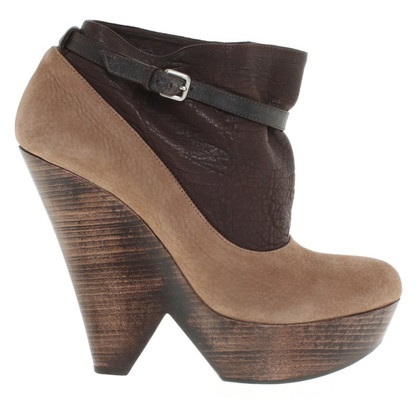 Navyboot Wedges in brown