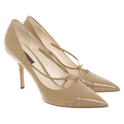 Louis Vuitton pumps in beige