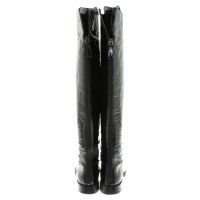 Chanel Overknees made of patent leather