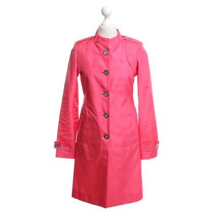 Céline Mantel in Pink