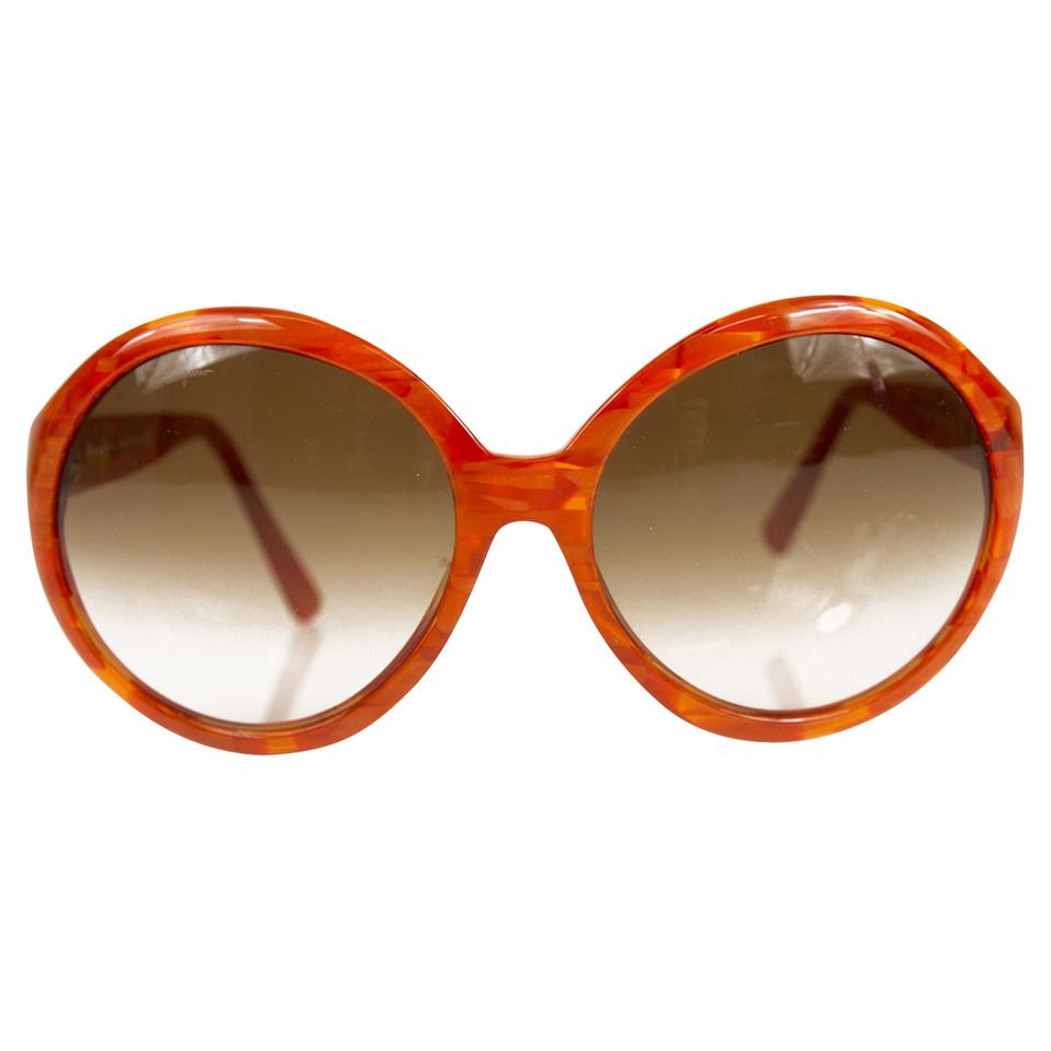 salvatore ferragamo sonnenbrille in orange second hand salvatore ferragamo sonnenbrille in. Black Bedroom Furniture Sets. Home Design Ideas