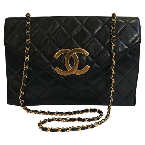 Chanel Flap Bag in black - Second Hand Chanel Flap Bag in black buy ... 764becee308ca