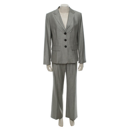 Laurèl Suit in grey