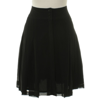Karl Lagerfeld for H&M Pleated skirt in black