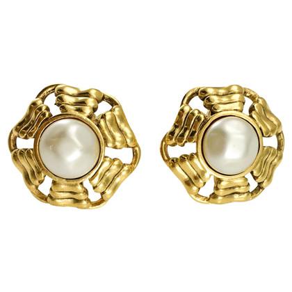 Chanel Orecchini a clip color oro