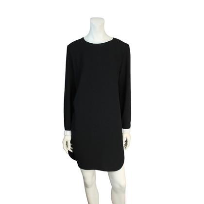 Marc Cain col blanc robe noire