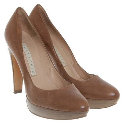 Pura Lopez pumps in marrone
