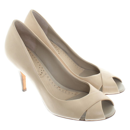 Bash Peeptoes in Creme