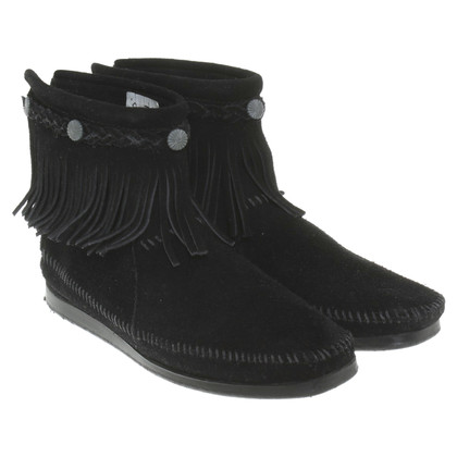 Minnetonka Ankle boots with leather fringes