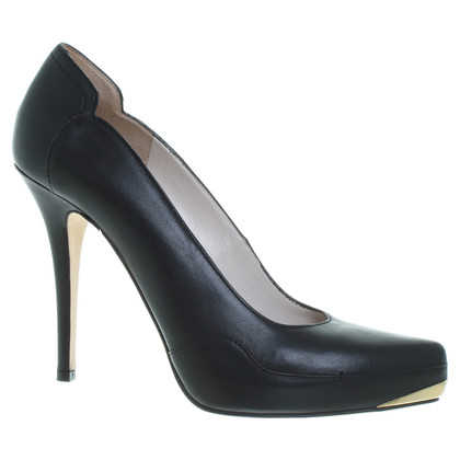 Escada Leather pumps in black