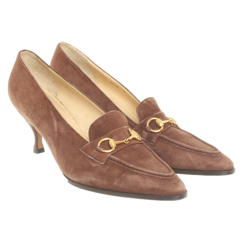 55ebf6b704 Gucci Pumps/Peeptoes Suede in Brown - Second Hand Gucci Pumps ...