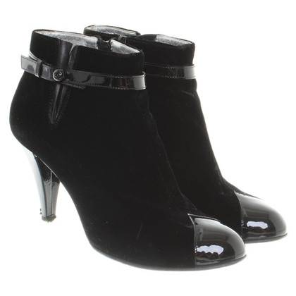 Chanel Ankle boots made of velvet