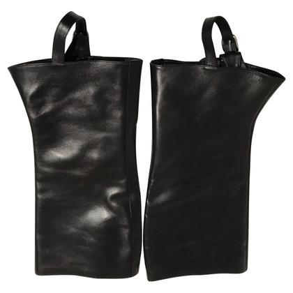 Hermès Leather gauntlets in black