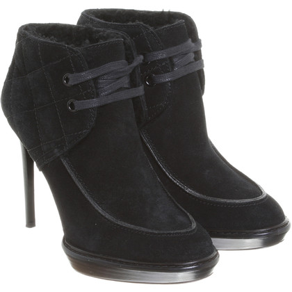 Burberry Booties in black