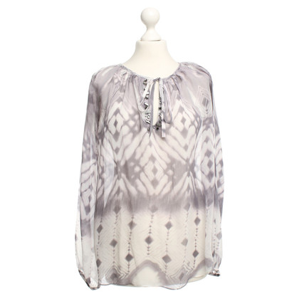 Style Butler Silk blouse with patterns