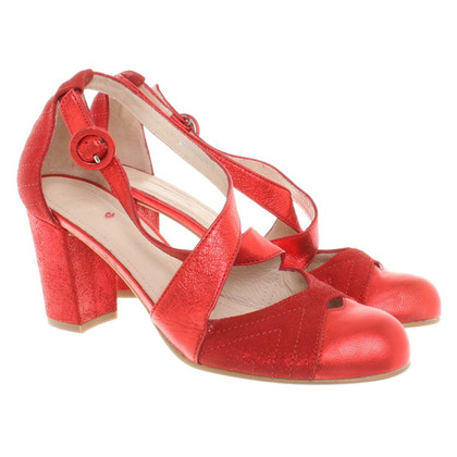 Hobbs pumps in red