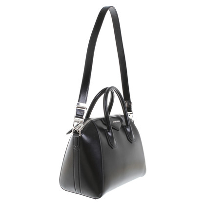 "Givenchy ""Antigona Bag Small"" in Schwarz"