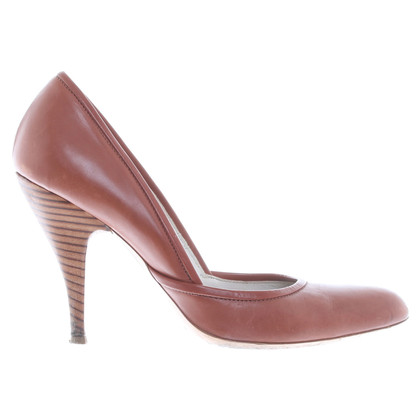 Hugo Boss pumps Brown